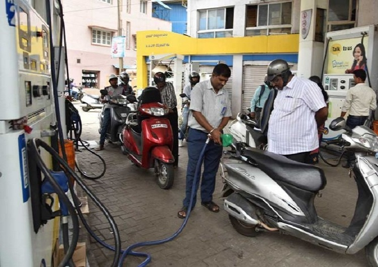Petrol, diesel prices scale new highs
