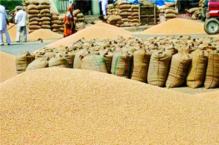 Trade resumes in APMC after Govt's assurance on MSP