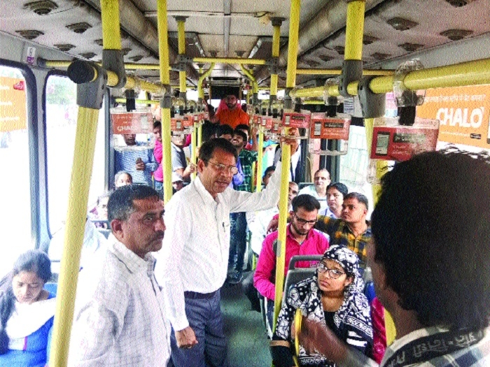CEO BCLL inspects city buses
