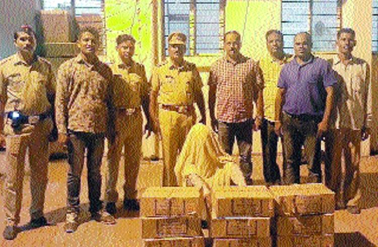 Cops raid Ungaon sand ghat near Kamptee, 4 booked