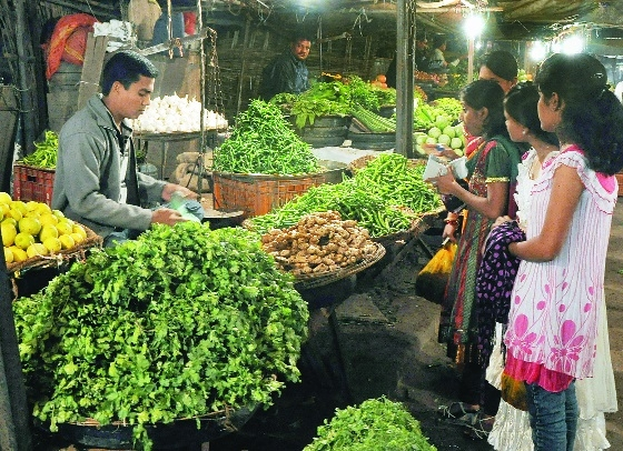 Vegetable prices shoot up on lower supplies