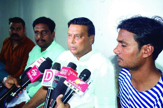 Sacked contractual employees threaten Sadak Andolan