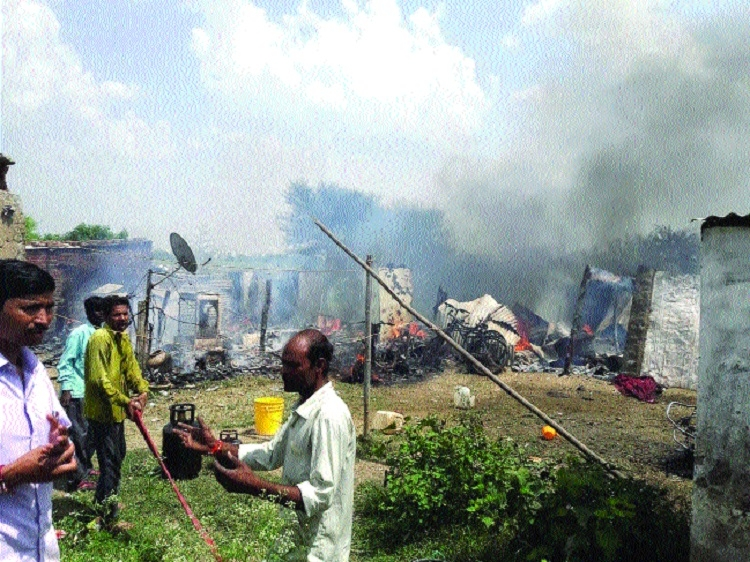Fire reduces shanties to ashes in Kolar