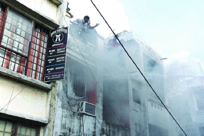 Electronic goods gutted in MP Nagar