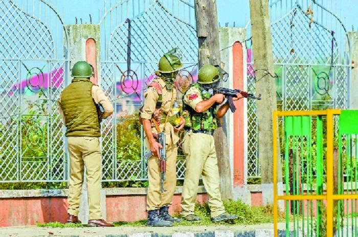 3 militants, soldier, 2 civilians killed in gunfights in Valley