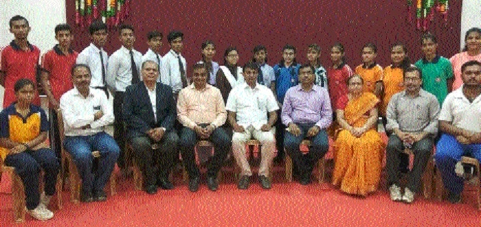 Gujarati School fetes players representing district team in 18th State-level C'ship