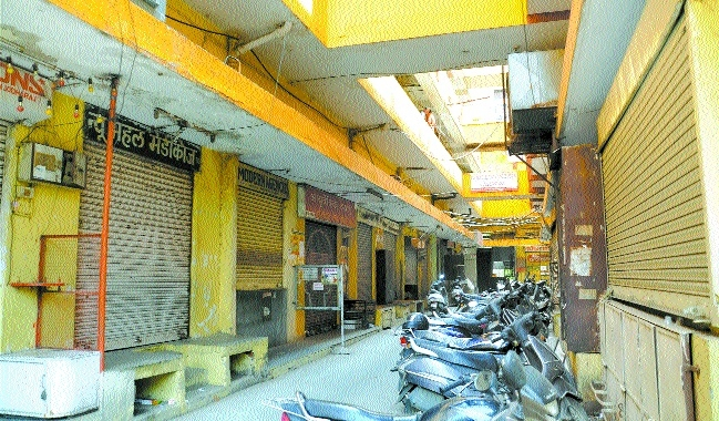 Markets remain bandh as traders join stir