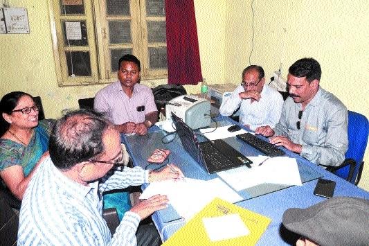 SE, Clerk of Bhedaghat Panchayat in Lokayukta net