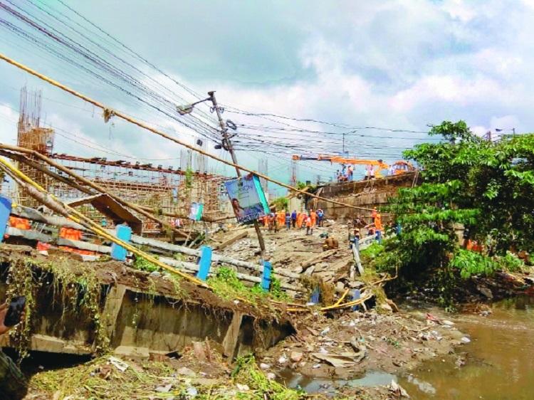 Toll rises to two in Kolkata bridge collapse
