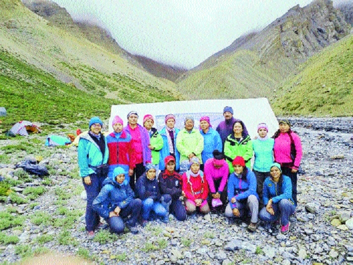 Women team ascends Manirang to rejoice 25 years of Everest climb