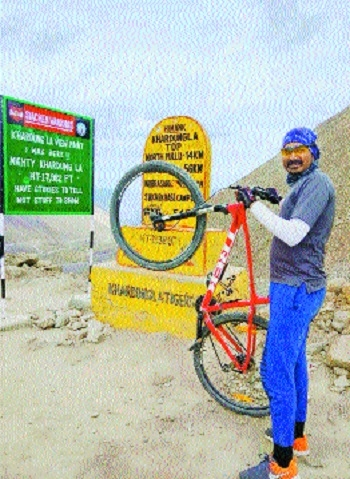 With just a year of bicycle practice, he pedals 600 km