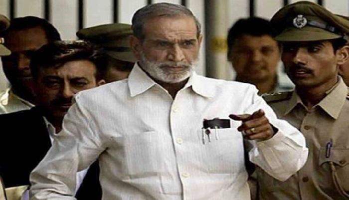 Sajjan Kumar surrenders in court, sent to jail