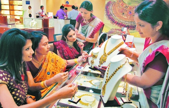 2018: Wedding season added glitter to gold jewellery