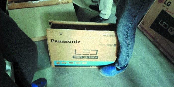 Shop selling fake LED TVs raided, owner held