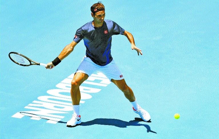 Federer, Djokovic chase