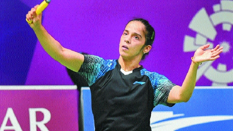 Saina 'coaches' Kashyap to advance