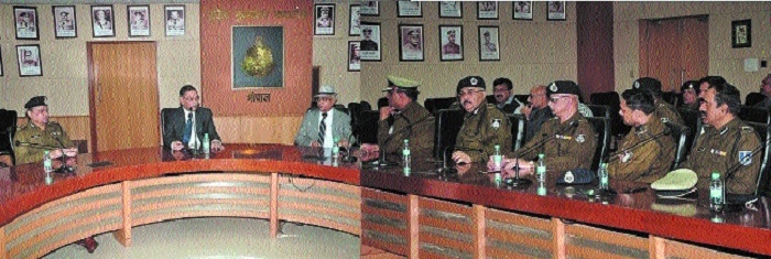 DGP orders weekly off to cops