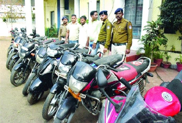 Dewas-based vehicle-lifter nabbed, 12 two-wheelers seized