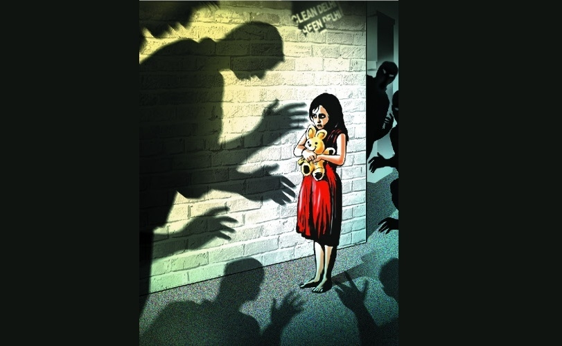 Man held for molesting 5-year-old girl in room