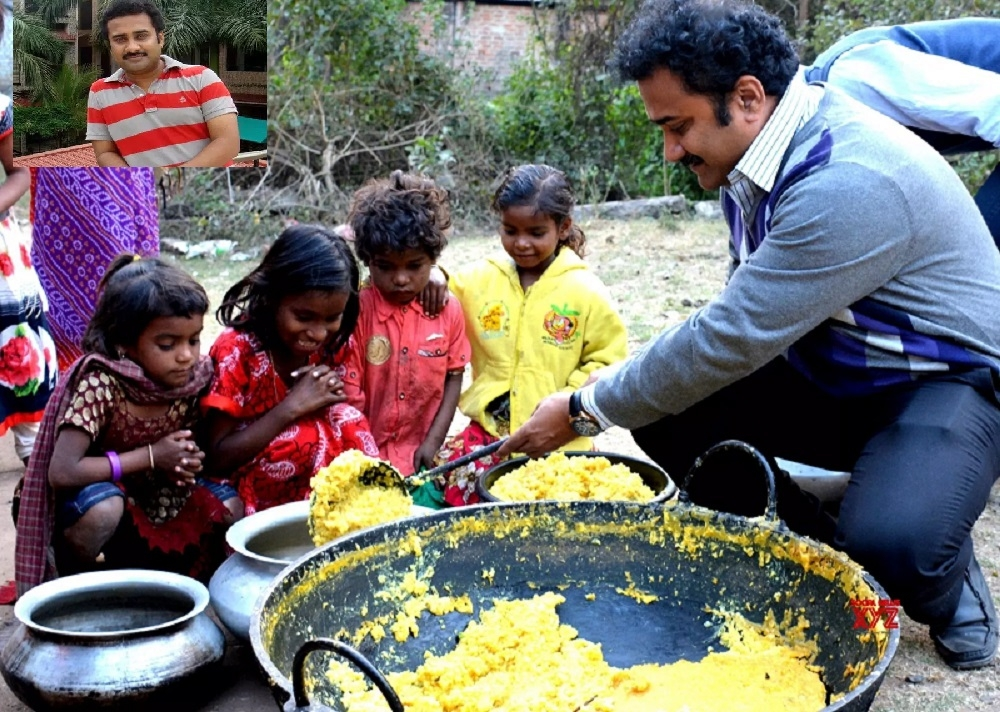 A teacher who collects, cooks food to feed the poor