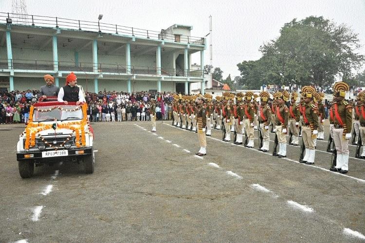 Bhanot unfurls flag at Mandla