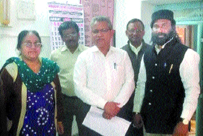 ESIC dispensaries, hospitals lack medicines: Tiwari