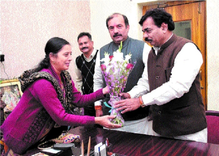 Ministers Bhanot, Ghanghoria meet Mayor, Municipal Commr at JMC Hqs