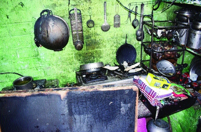 Fire destroys six slums in Cholla area