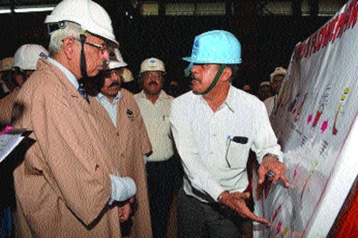 Secretary (Steel) Binoy Kumar visits BSP