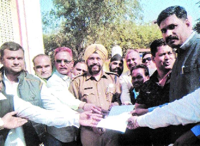 Streamline traffic in Ranjhi, demand Block Congress Committee members