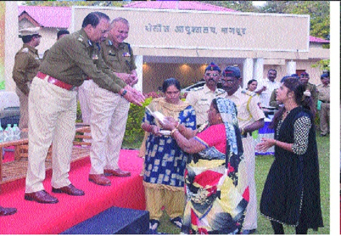 Cops hand over recovered valuables worth Rs 84 lakh to 221 claimants