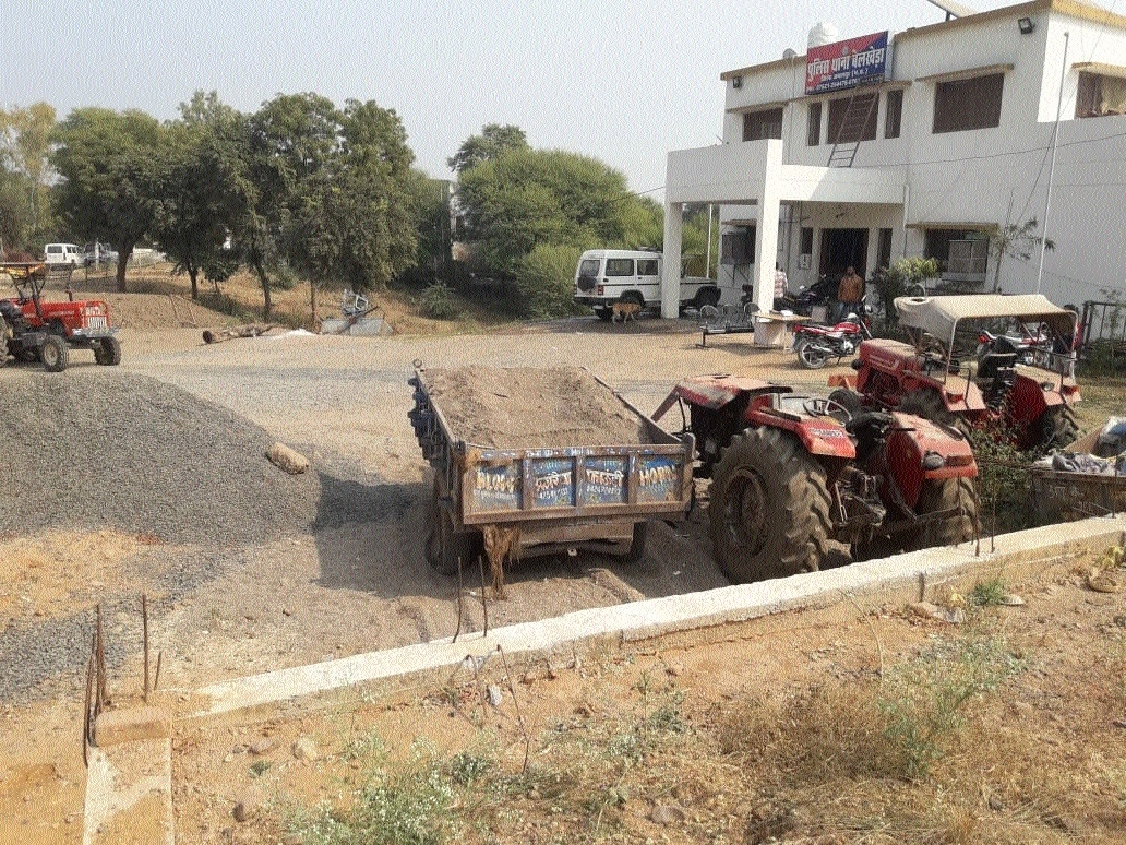 7 tractor trolleys seized during raid at illegal sand mining site