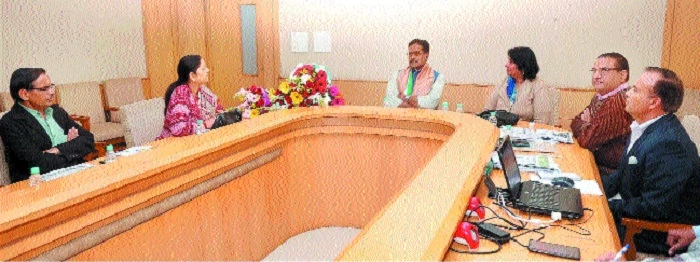 'Give new identity to Cottage, Village Industries Department through public welfare activities'