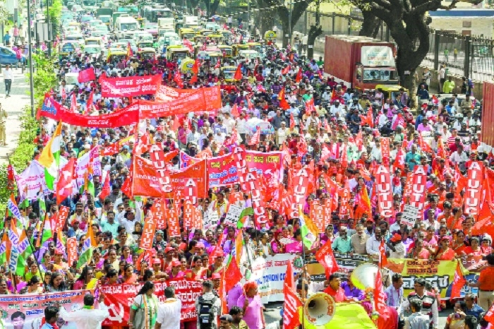 Stray incidents on Day 1 of workers' strike