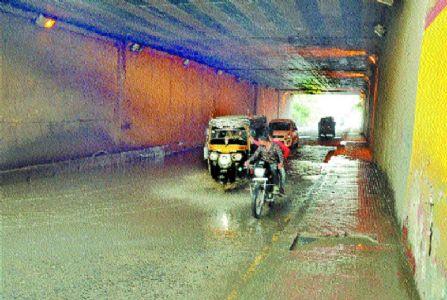 Narendra Nagar RuB: Waterlogging persists due to local seepage