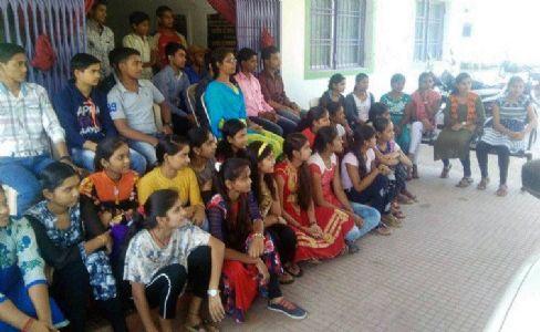 CM shares information on public welfare schemes during Lokvani