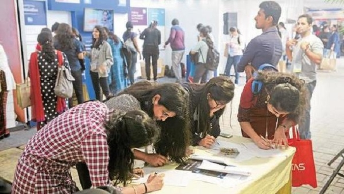 Hiring outlook to improve in manufacturing sector: Survey