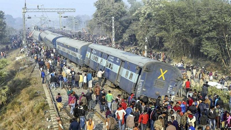 Six killed as train derails in Bihar