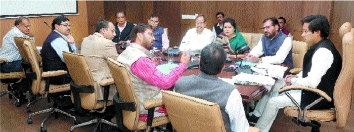 Ensure uniform water supply in city: Singh