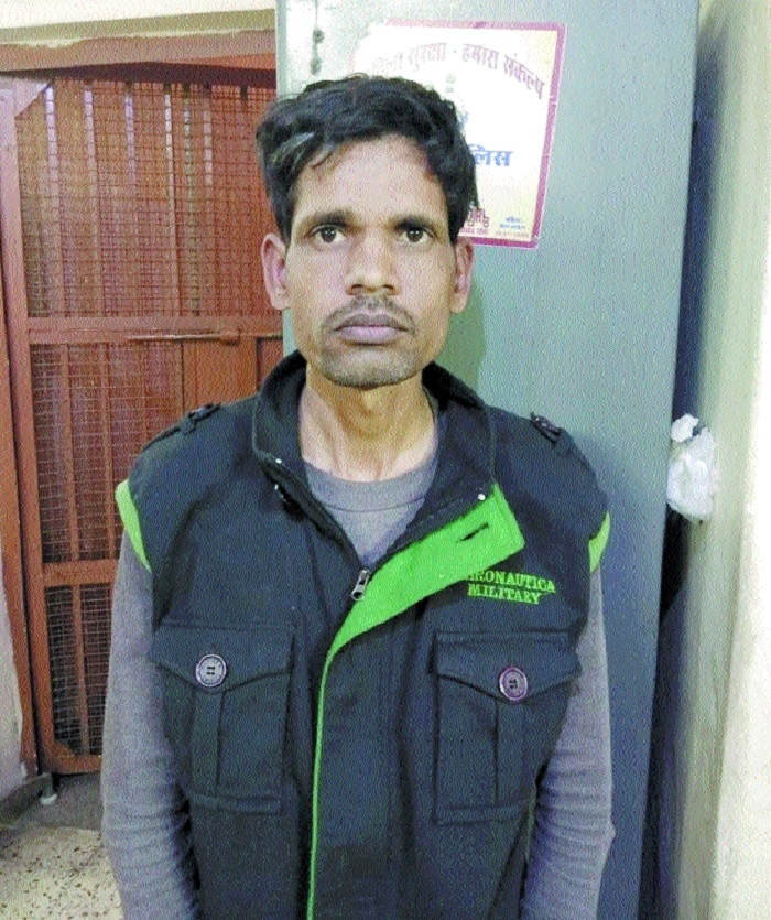 Servant nabbed for stealing valuables from owner's shop