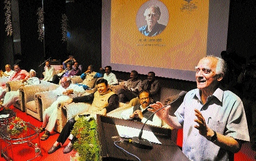 Journalists' conviction alone can help in maintianing their credibility: Arun Shourie