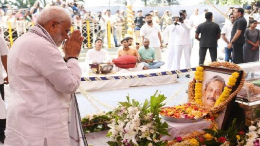 Parrikar cremated with state honours