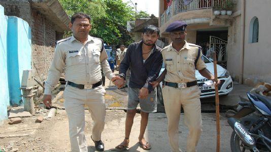 Hanumantal police bust kiln producing country liquor