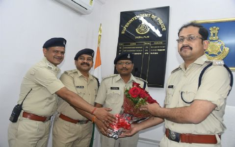 Nimish Agrawal assumes charge as SP, Jabalpur