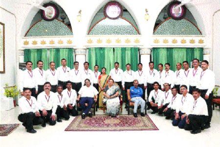 Governor meets trainee Naib Tehsildars at Raj Bhawan