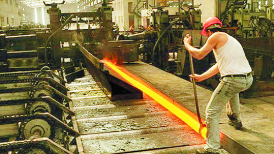 India's crude steel output grows 5%