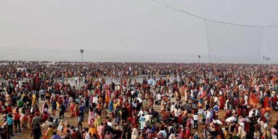 Millions of pilgrims gath