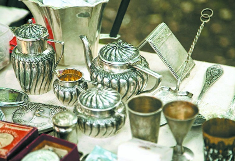 Silver prices skid by Rs