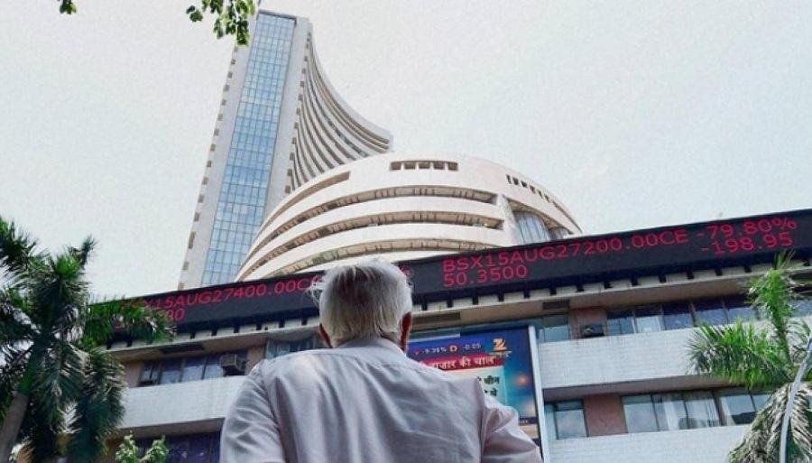 Sensex nosedives 788 pts