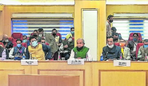 No breakthrough in Govt-farmers talks; next meet tomorrow